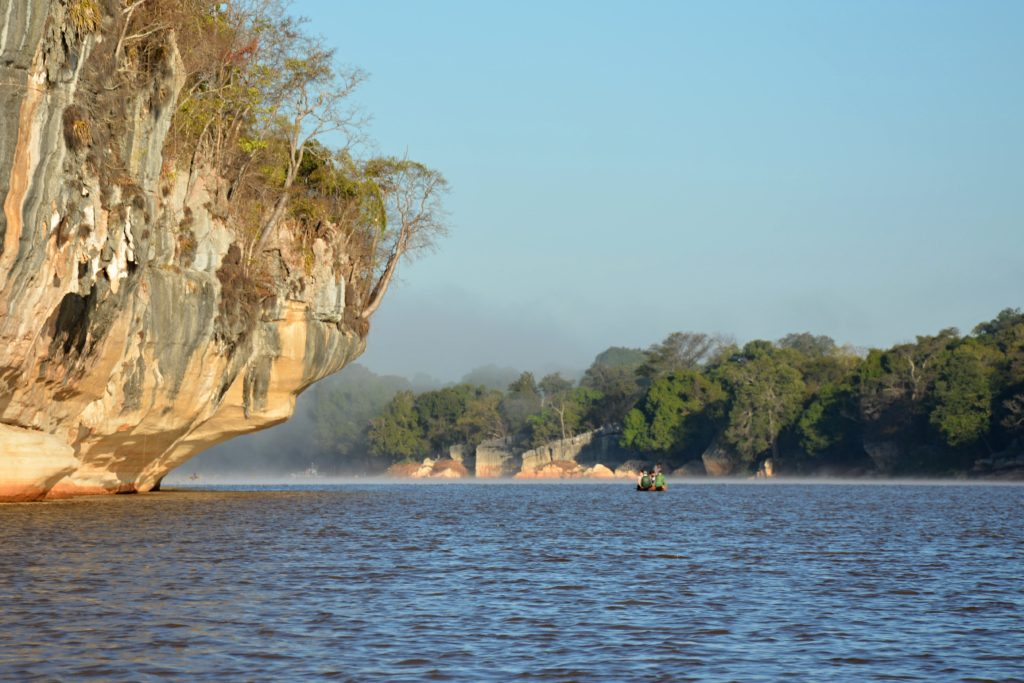 Plavba po řece Manambolo