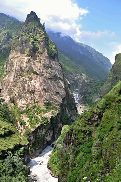 Cesta údolím řeky Marsyangdi