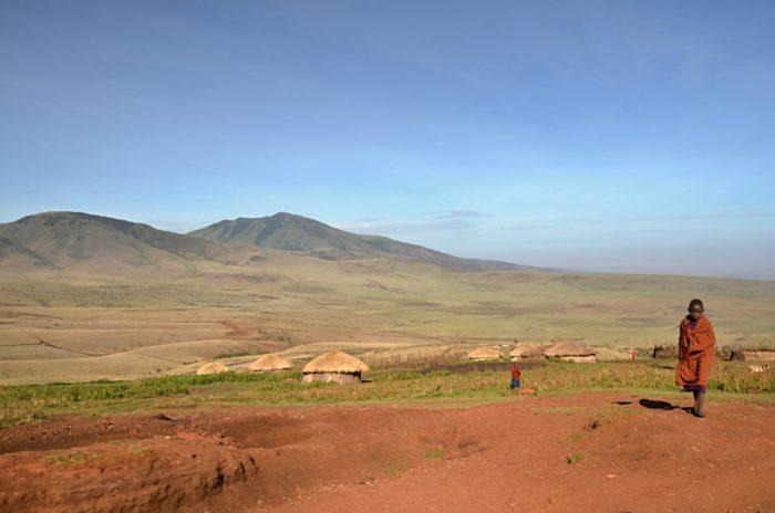 Cesta do národního parku Serengeti a typické masajské vesnice Boma