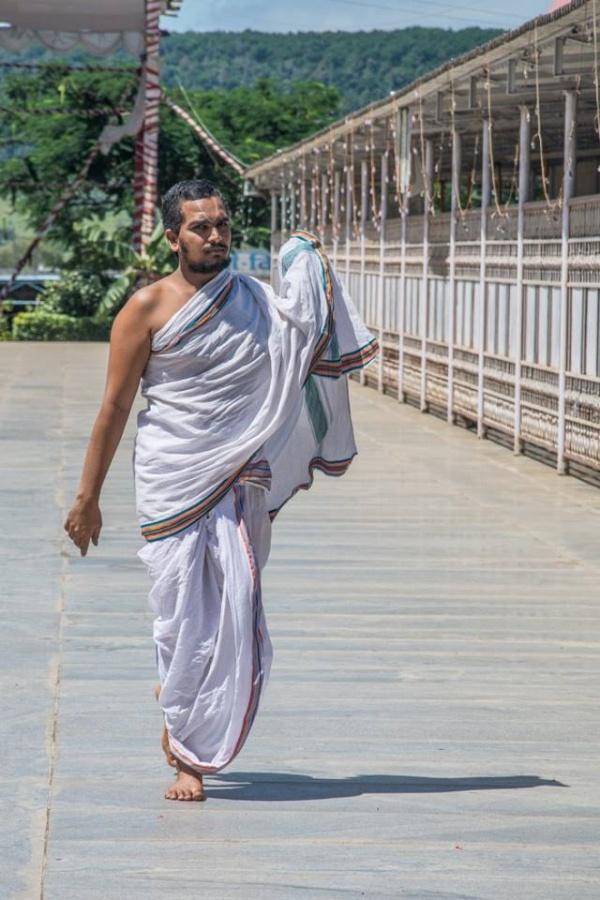 Mnich, chrám Tirupati Balaji