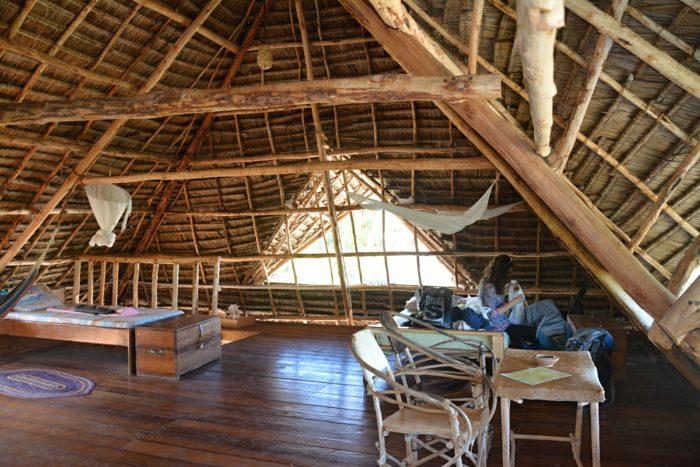 Mana Lodge v Kizimkazi a náš podkrovní pokoj