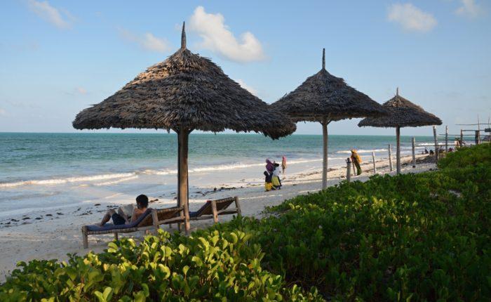 Odpolední pohoda na pláži v Jambiani